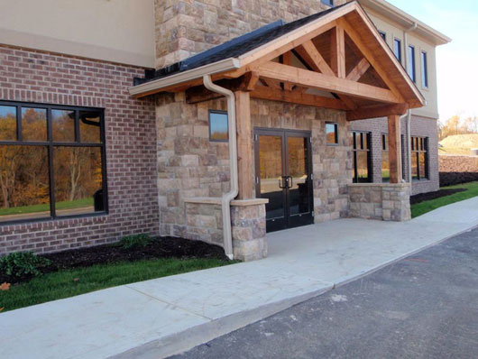 Ashwood-Commons-Building-1200-Lower-Level-Entrance