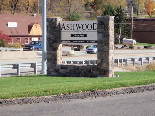 Ashwood-Commons-Route-19-Entrance